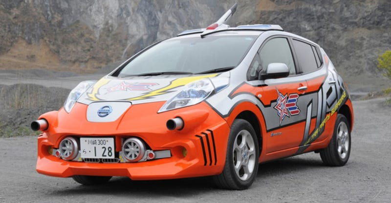 Illustration for article titled Japanese Sci-Fi Battle Nissan Leaf Is Best Nissan Leaf