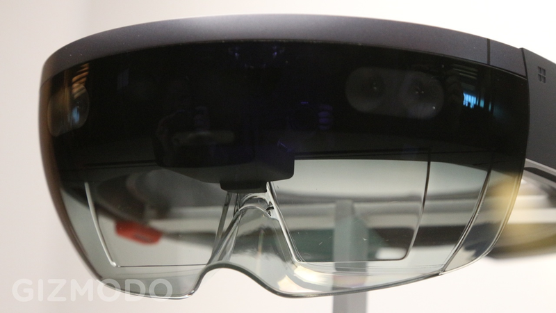 Illustration for article titled This Is What Microsoft's HoloLens Looks Like In Person