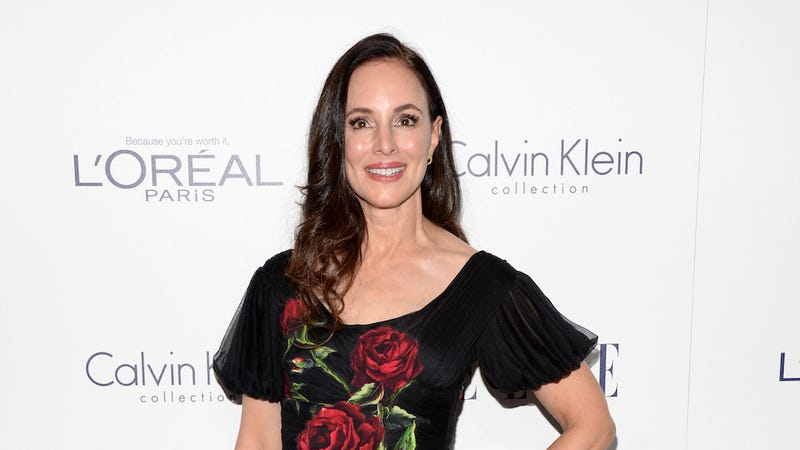Illustration for article titled Naked Madeleine Stowe Was Robbed at Gunpoint Inside Her Home