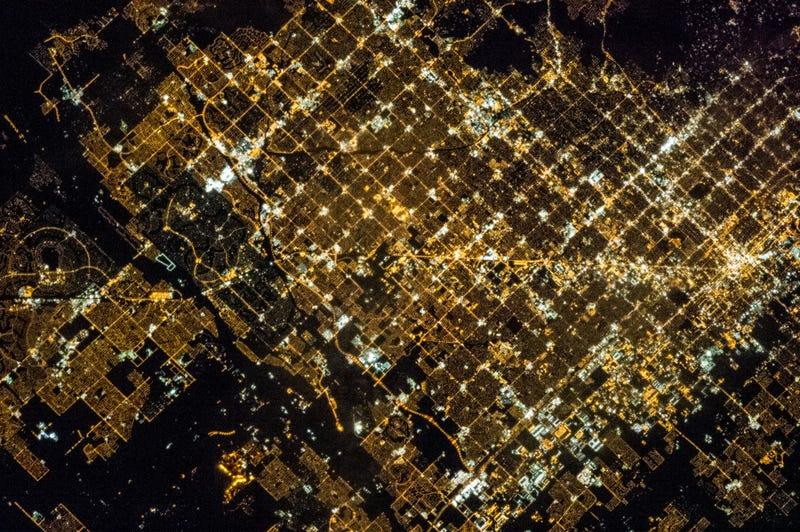 Illustration for article titled Here's What A Grid-Plan City Looks Like From Space