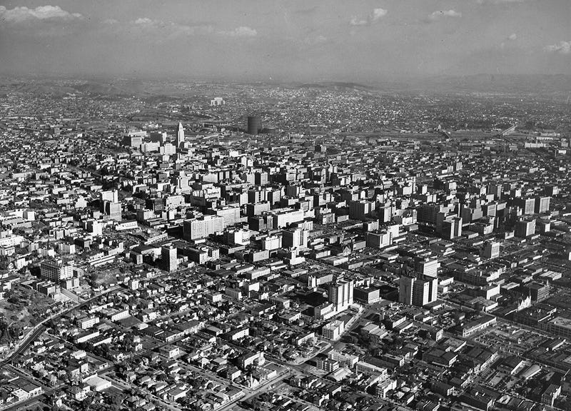 Illustration for article titled Downtown L.A.'s Skyline from the Air: 1940s vs. 2014