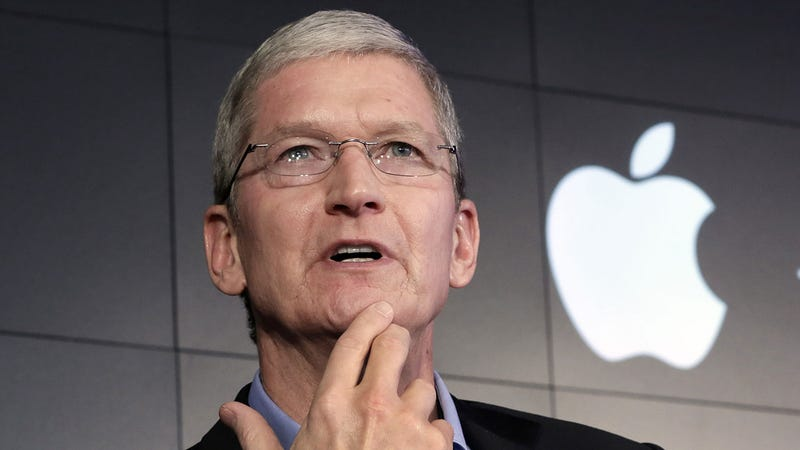 What Donald Trump Told Tim Cook on the Phone