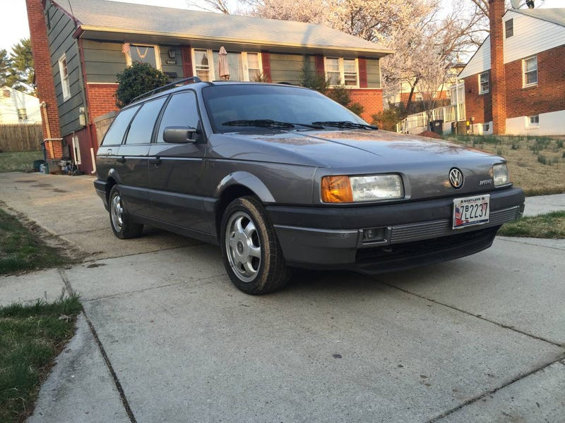 Illustration for article titled For $3,000, Could You See Wagoning In This 1993 VW Passat GLX VR6?