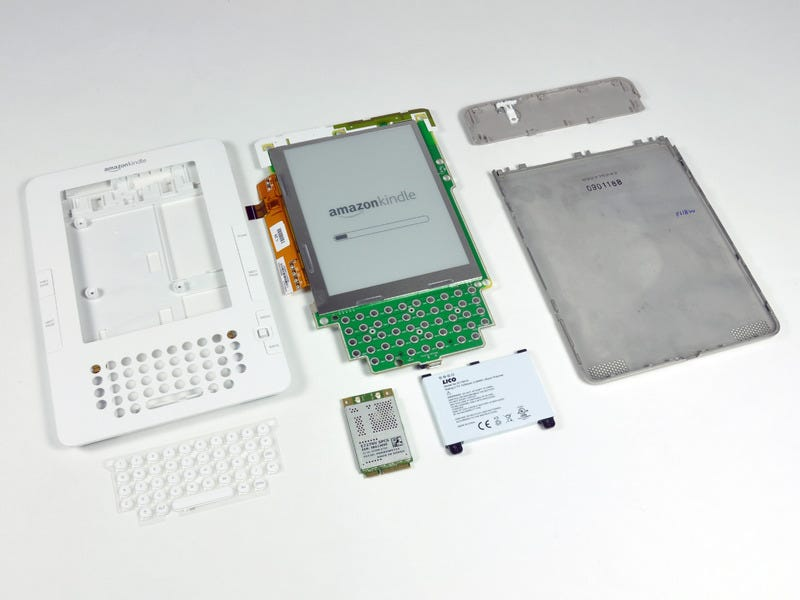 Illustration for article titled The Kindle 2 Gets Disassembled
