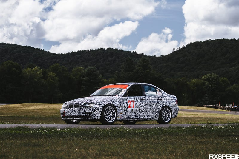 Illustration for article titled This 2000 BMW 328i Is the SCCA Racecar Of Your Dreams