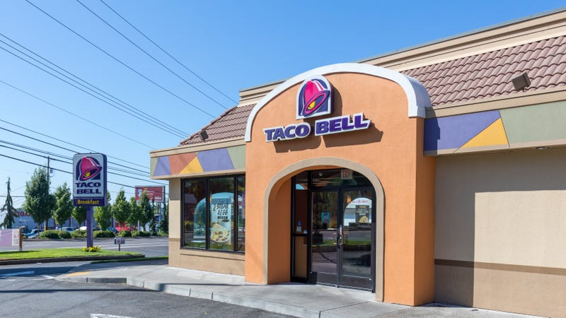 Here's a two-hankie story about goodhearted Taco Bell employees