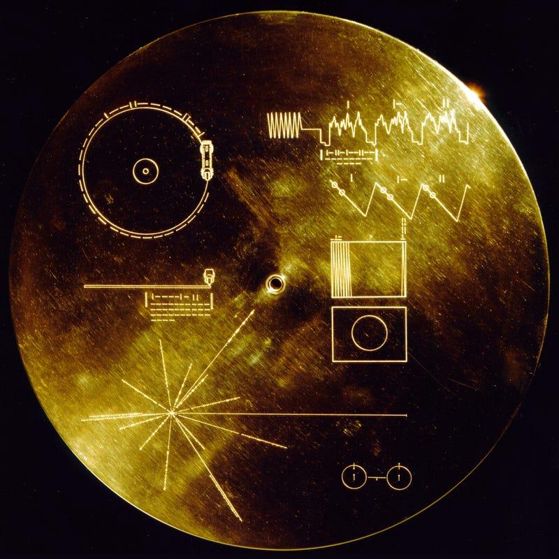 Illustration for article titled Magyarul is köszönti az emberiség az idegeneket a Voyager aranylemezein