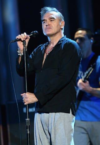 Illustration for article titled Morrisseyt rákkal kezelik