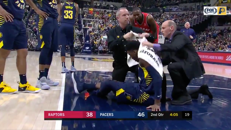 Illustration for article titled Victor Oladipo Exits On Stretcher After Going Down With Non-Contact Knee Injury (UPDATES)