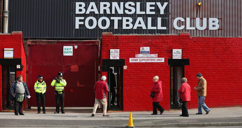 Illustration for article titled Barnsley Fan Falls Asleep On Stadium Toilet For Seven Hours, Loses Hat