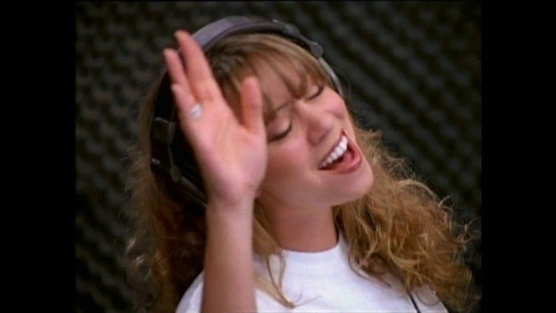 Sing it, Mariah.