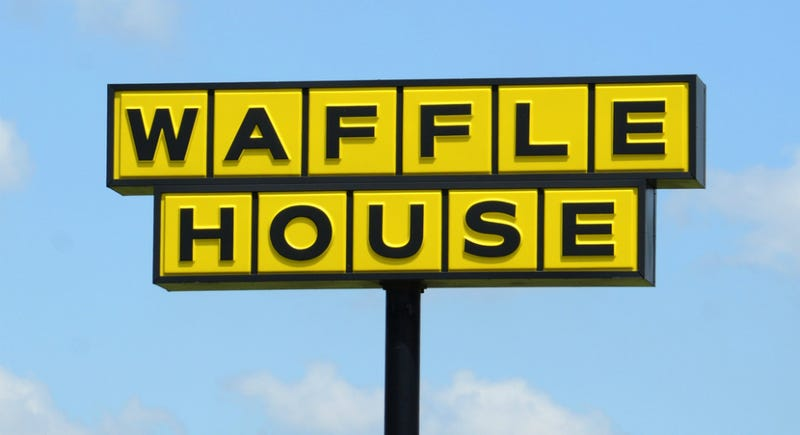 Illustration for article titled Turns Out There's More to That Waffle House Armed Customer Story Than We Thought