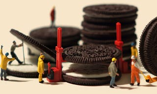 Illustration for article titled There Are Tiny People Living Amongst Our Oreos