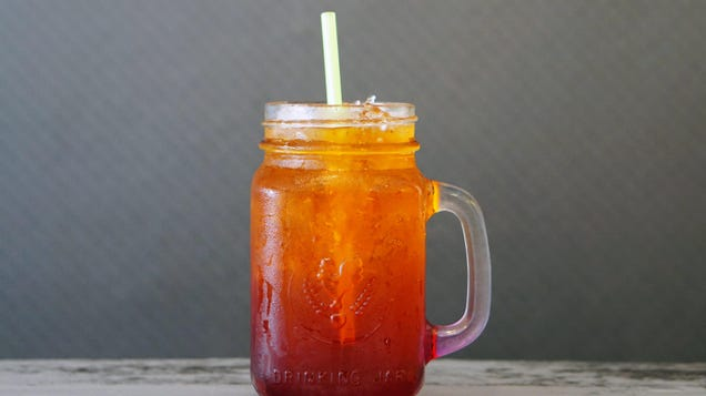 How to Make a Single Glass of Sweet Tea