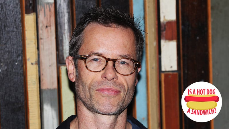 Illustration for article titled Hey Guy Pearce, is a hot dog a sandwich?