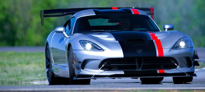 Illustration for article titled 2016 Dodge Viper ACR: Meet The Nastiest Street Legal Viper Ever Made