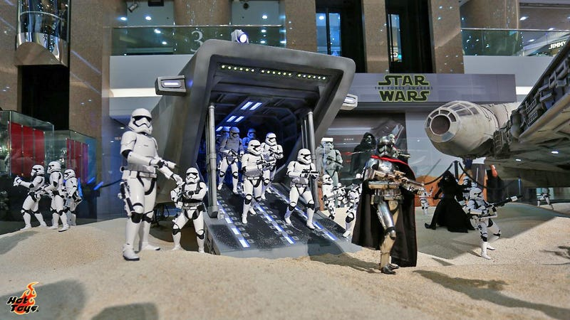 The Tiny Figures In This Massive Star Wars Diorama Are