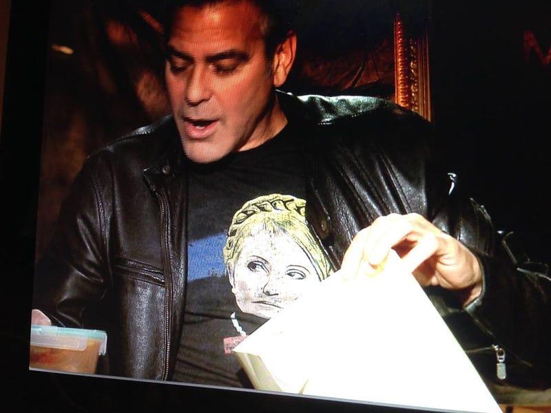 Illustration for article titled Ez megtörtént: Návai Anikó paprikás csirkével kínálta George Clooney-t
