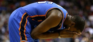Illustration for article titled Kevin Durant Out Indefinitely With Persistent Foot Soreness