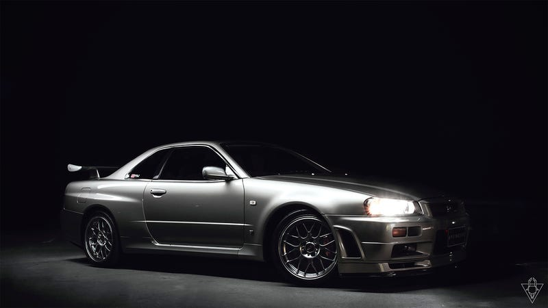 Illustration for article titled Amazing album on detailing a GT-R