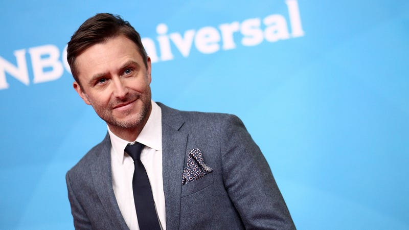 Illustration for article titled Chris Hardwick responds to Chloe Dykstra's account, denies abusive behavior
