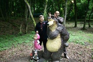 Illustration for article titled Az orosz medve egy nagy szamár
