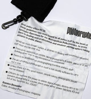 Illustration for article titled Show Your Photographer's Bill of Rights With These Silkscreened Lenscloths