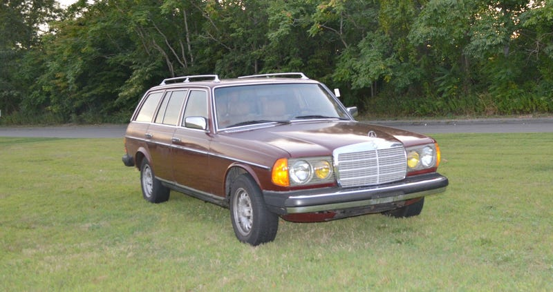 Illustration for article titled Is $3,500 for this 1980 Mercedes Benz 300TD Anything To Celebrate?