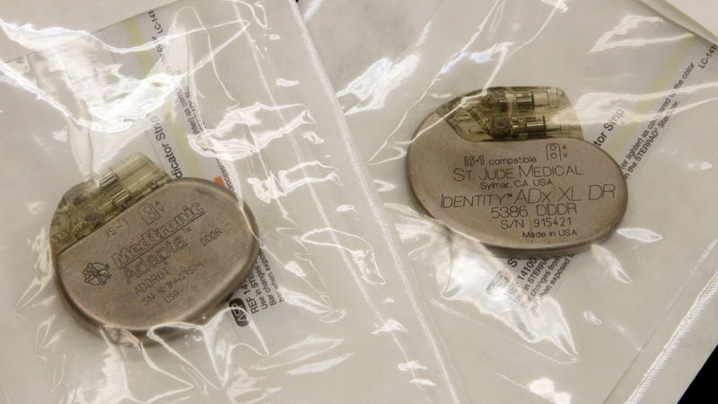 Pacemakers ready for placement. Pacemakers made by Abbot's (formerly St. Jude Medical) are affected, while those by Medtronic (shown left) are not. Photo: AP