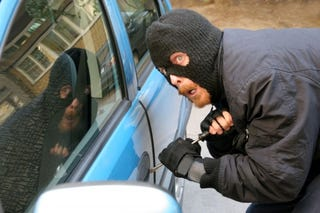 Illustration for article titled Car Thief Calls 911 To Brag, Results Predictable