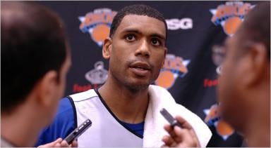 Illustration for article titled The Knicks Just Love Throwing Money At Allan Houston
