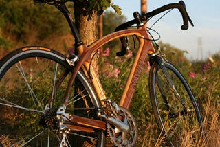 Illustration for article titled Wood-Framed Renovo Bicycle Reminds Us of Simpler Times