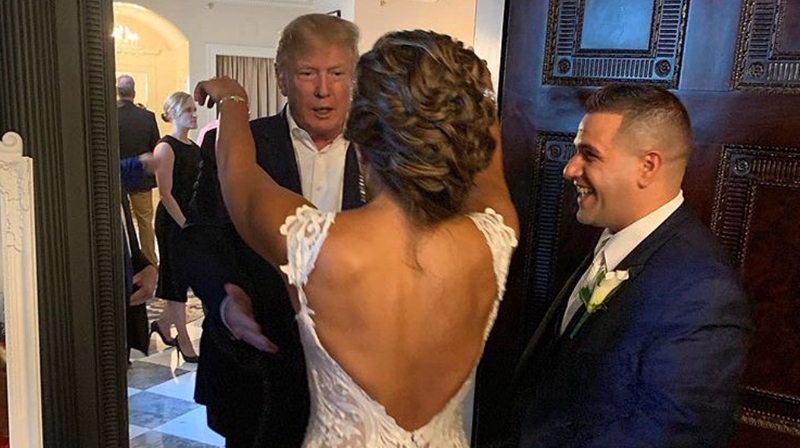 Trump Crashes Wedding.Donald Trump Crashed A Maga Themed Wedding Amidst Cheers Of Usa