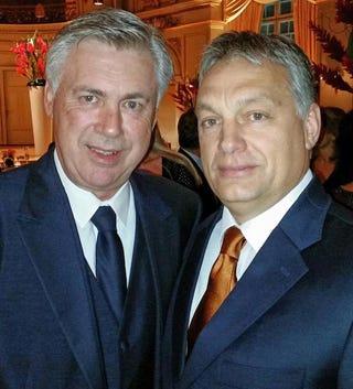 Illustration for article titled Te például kivel szelfiztél volna az Aranylabda-gálán Orbán helyében?