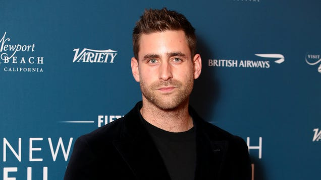 Look closely and you'll see Haunting Of Hill House's Oliver Jackson-Cohen as the new Invisible Man