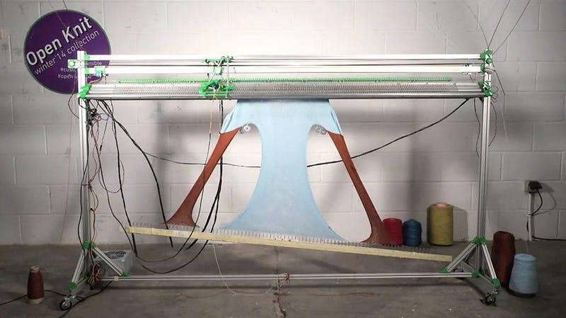 Illustration for article titled OpenKnit, la máquina que teje ropa a partir de archivos open source