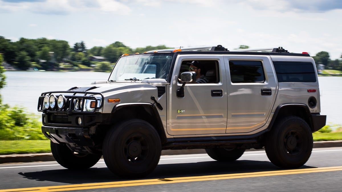 The Hummer H2 Is A Grand And Ont Bad Idea
