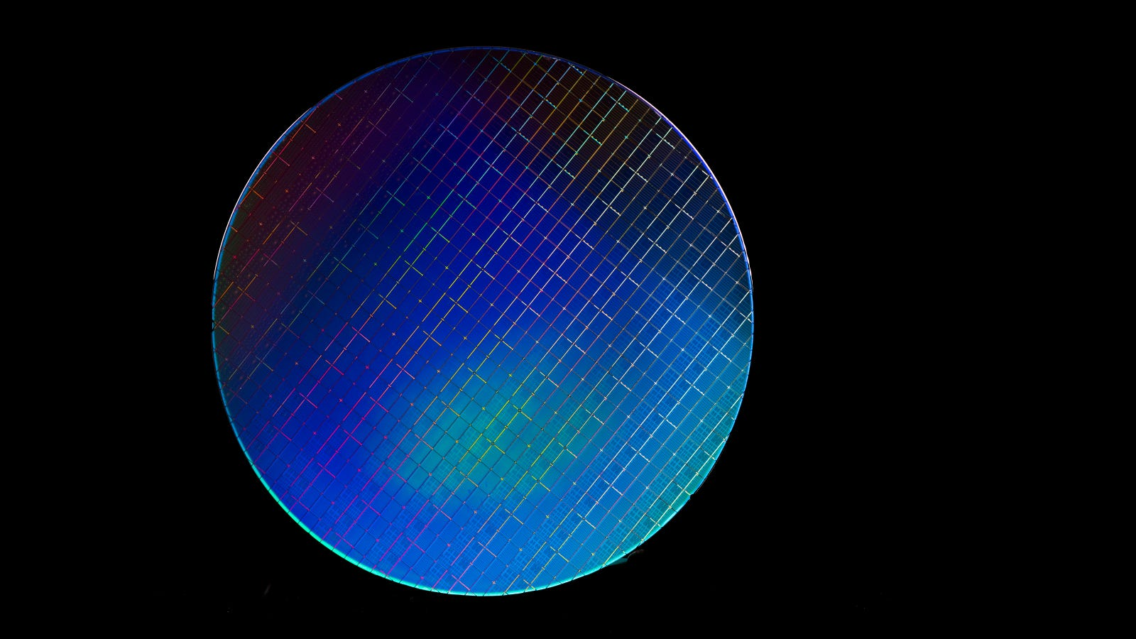 New Silicon Chip-Based Quantum Computer Passes Major Test