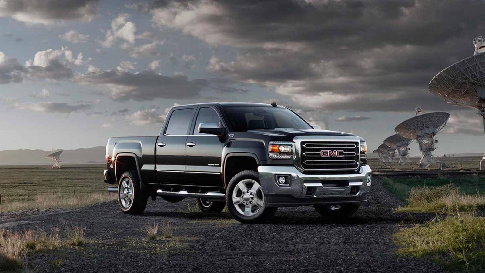 new lawsuit accuses gm of cheating diesel emissions tests on 705 000 trucks. Black Bedroom Furniture Sets. Home Design Ideas