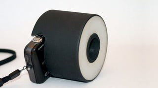 Illustration for article titled Build a Cheap Ring Flash for your Point-and-Shoot Camera
