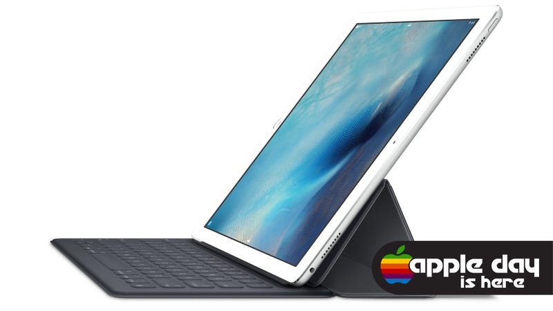 Illustration for article titled Apple's New Smart Keyboard Turns the iPad Pro Into a Surface Clone