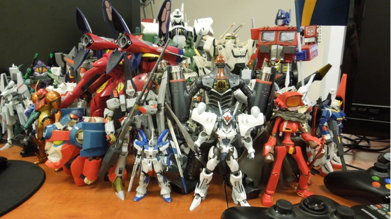 Illustration for article titled This Game Designer's Desk Is Overrun with Mecha