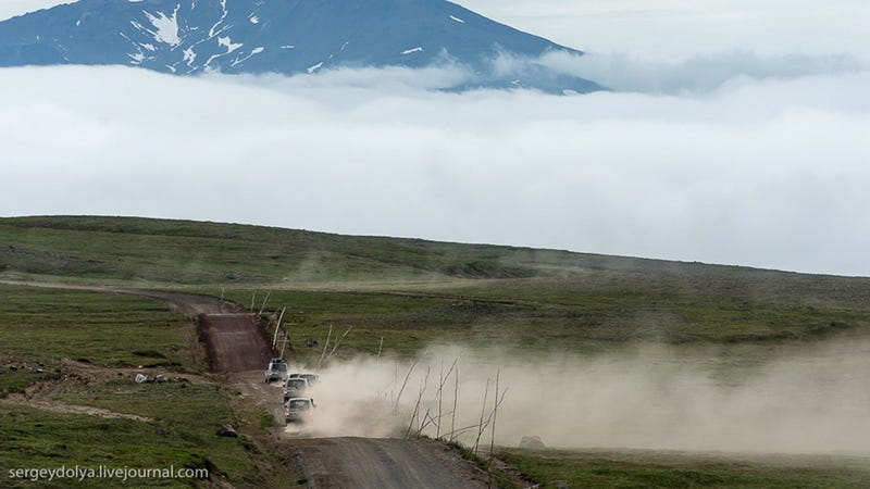 Illustration for article titled Driving Through Kamchatka Is Stunningly Gorgeous