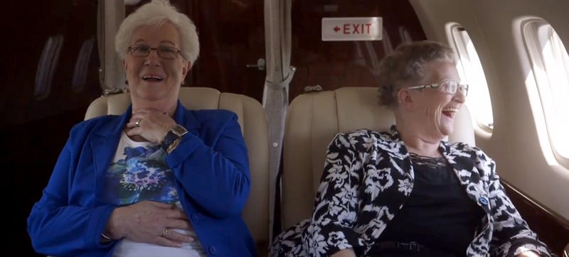 Illustration for article titled Watching these two old women fly for the first time is pure gold