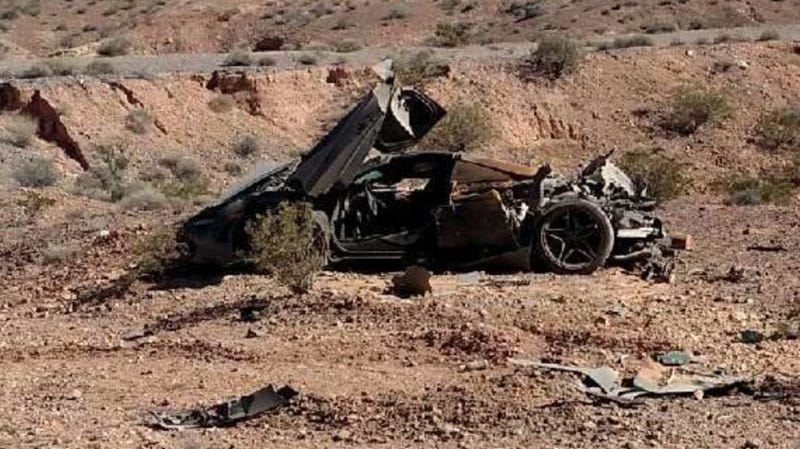 Illustration for article titled Nevada Cops Find $300,000 McLaren 720S Crashed In The Desert With No Owner In Sight