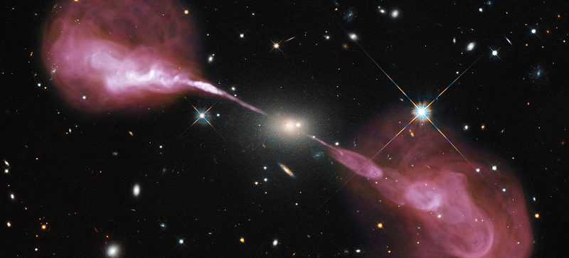 Illustration for article titled Astronomers Found the Ghost of a Rare Giant Radio Galaxy