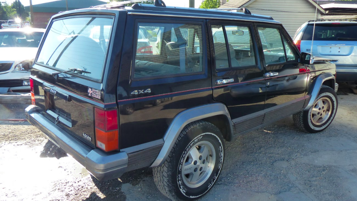 I Went Through Hell to Buy This 1991 Jeep Cherokee But Now I