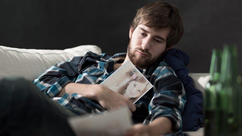 Illustration for article titled Facebook introduce una serie de opciones para que puedas olvidar a tu ex