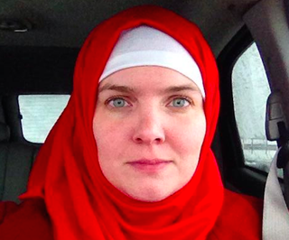 Illustration for article titled Woman Wearing Hijab to Increase Her Own Empathy Will Try Brownface Next