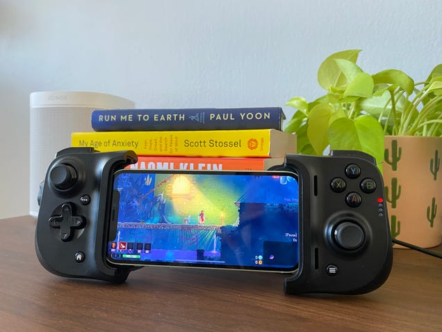 The Razer Kishi Is a Godsend for Cloud Gaming, at Least Where It's Supported